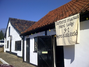 Image of sign for farmers' market