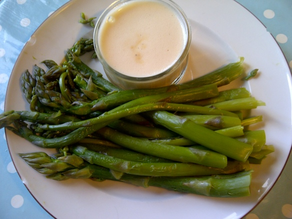 Image of asparagus and hollandaise sauce
