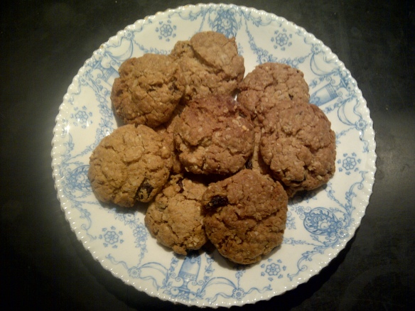 Image of muesli cookies on a plate