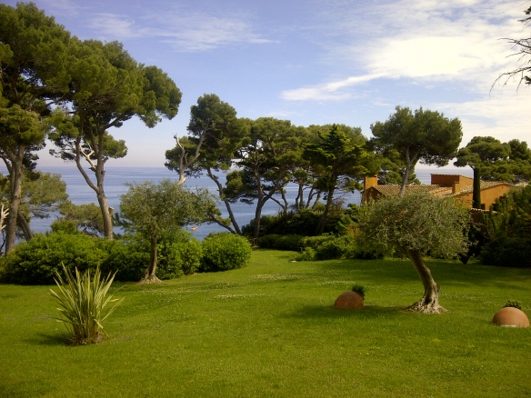 Image of garden overlooking Med