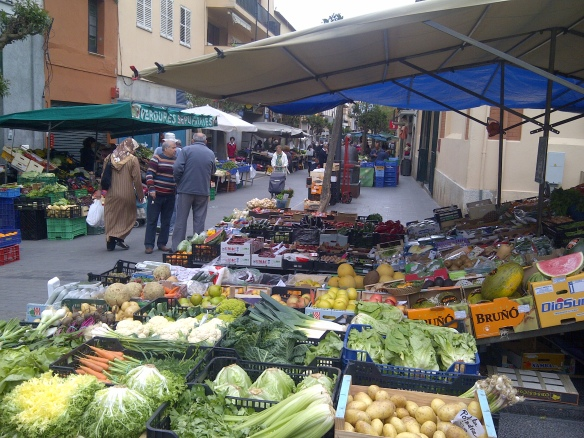 Image of street market in Palafrugell
