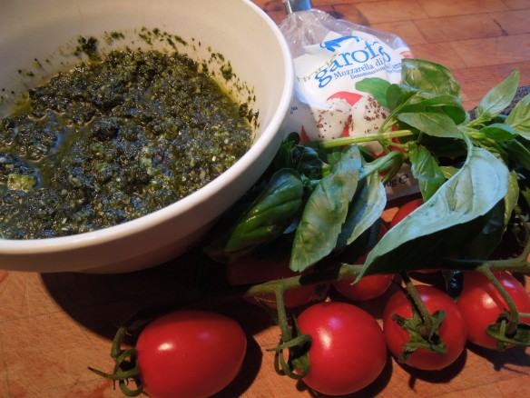Image of pesto and tricolore salad ingredients