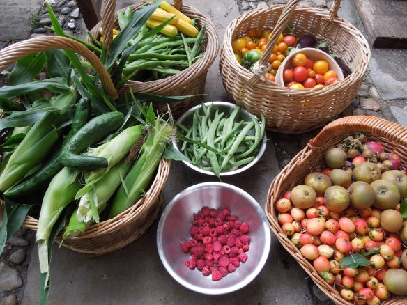 Image of baskets full of fruit and vegetables