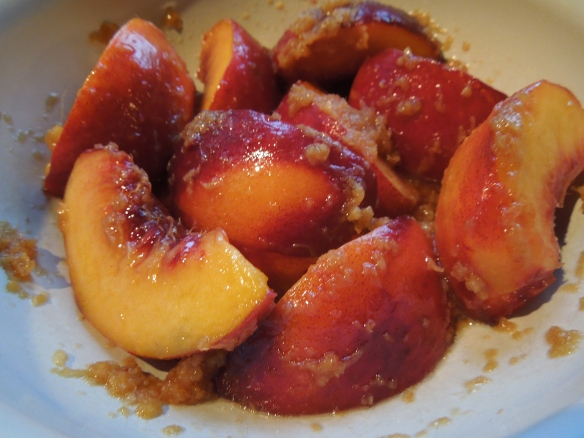 Image of peaches in marinade