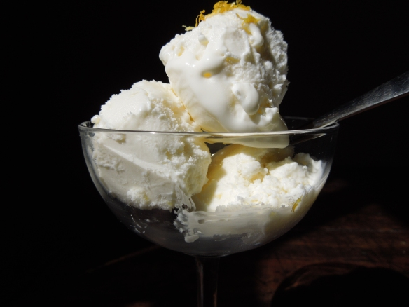Image of lemon yoghurt ice cream