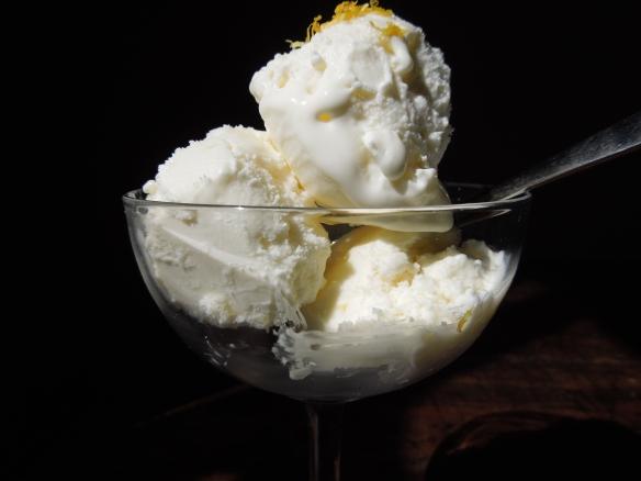 Image of lemon yoghurt ice cream
