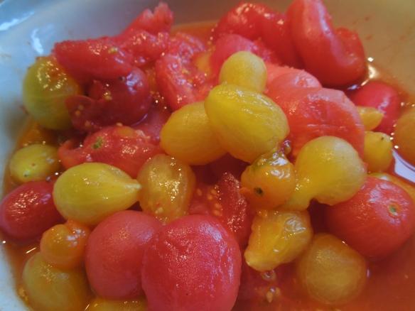 Image of peeled tomatoes