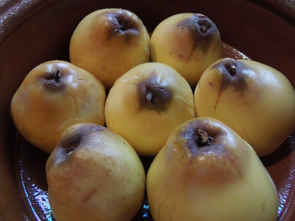 Image of quinces after baking