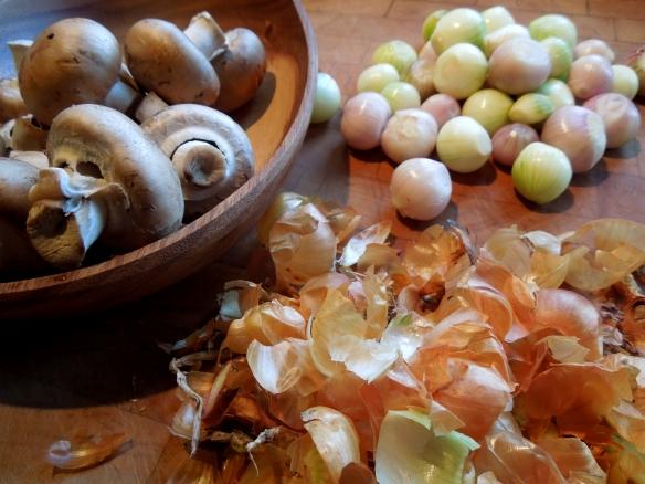 Image of onions, peeled