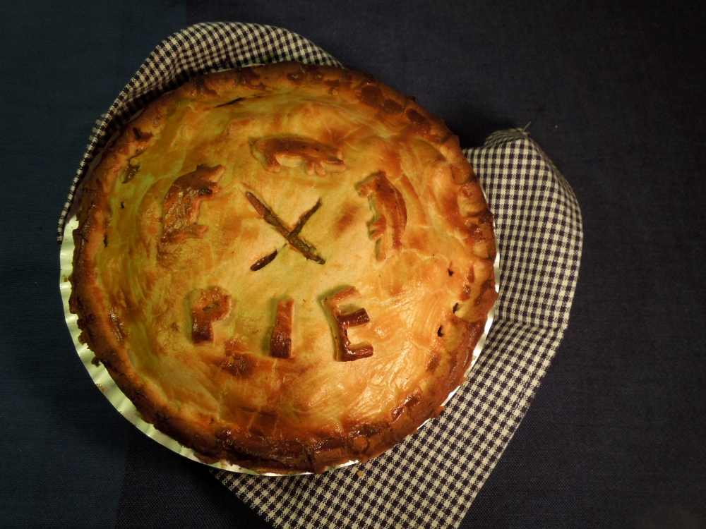Image of cooked pork and apple pie