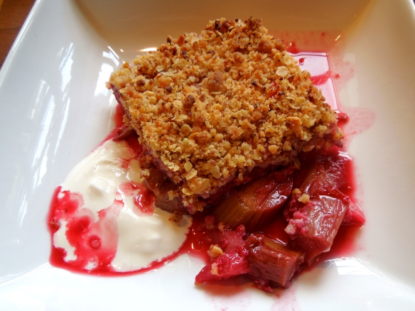 Image of rhubarb and raspberry crumble, served