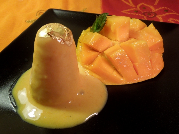 Image of Alphonso mango kulfi with fresh mango