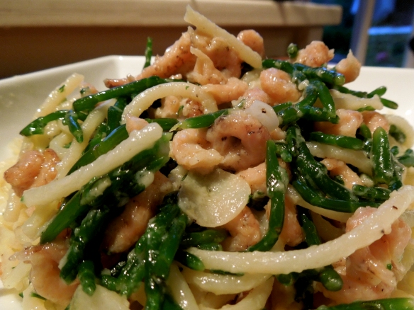 Image of vermicelloni with brown shrimps and samphire