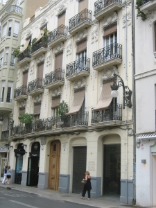 Image of a Valencian building