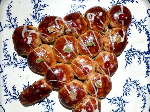 Image of Christmas Tree spiced bread