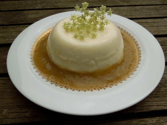 Image of elderflower and buttermilk panacotta