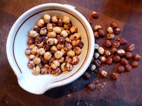 Image of roasted, skinned hazelnuts