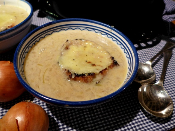 Image of Suffolk Onion Soup, served