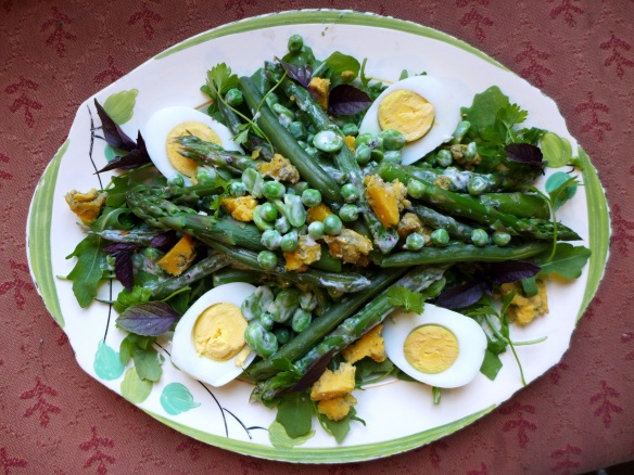 Image of summer veg with with buttermilk herb dressing