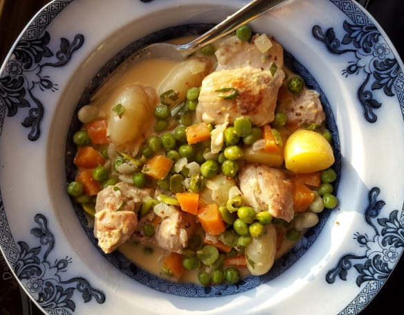 Image of chicken with summer vegetables