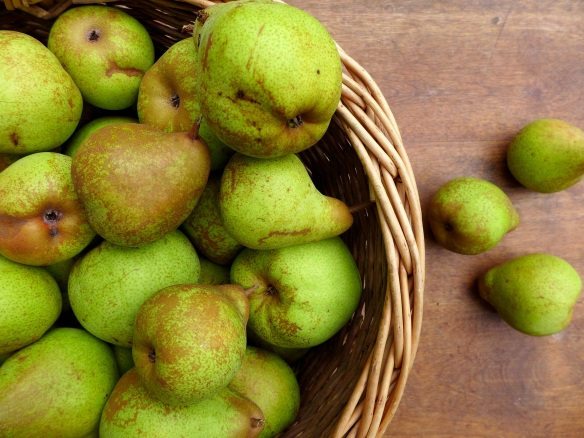 Image of a basket of pears