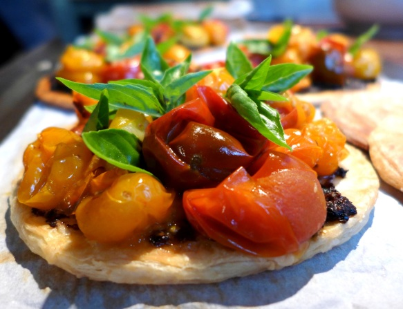 Image of tomato and tapenade tartlet