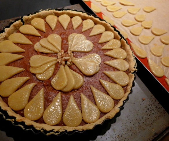 Image of half-cooked tart, decorated